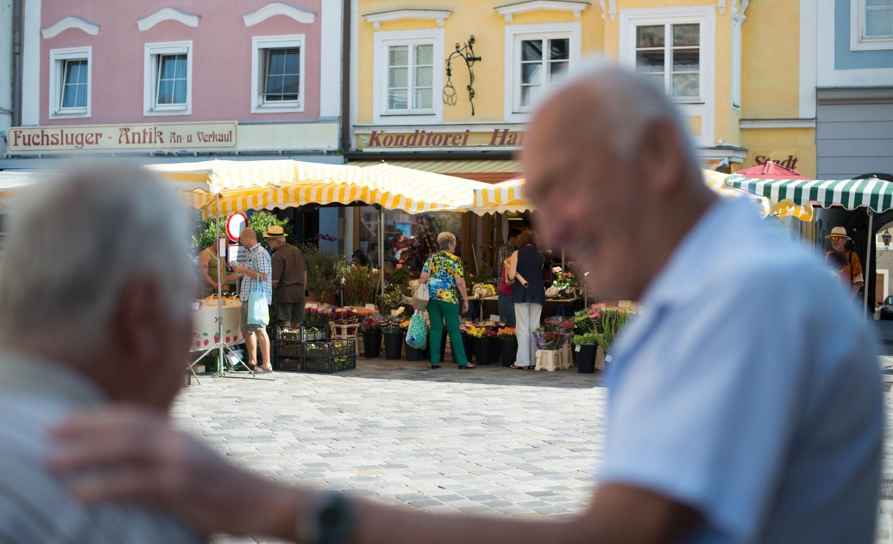 Wochenmarkt_Senioren.JPG