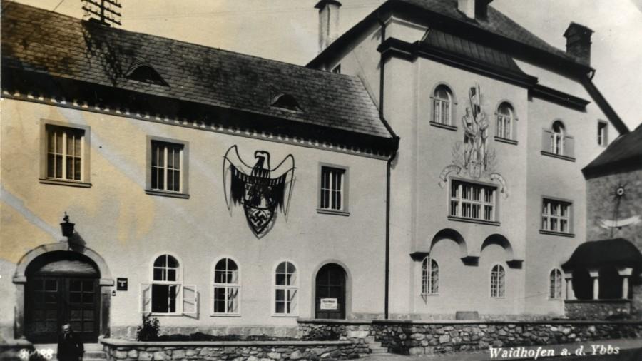 HWY 13040-3 Rathaus Gemeindehaus zur NS Zeit.jpg