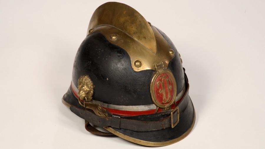 HWY 5937 Feuerwehrhelm Chargenhelm Waidhofen.jpg