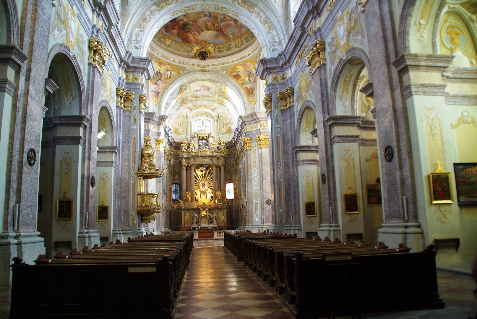 1471359258-basilika-innenraum_sonntagberg.gv.at.jpeg