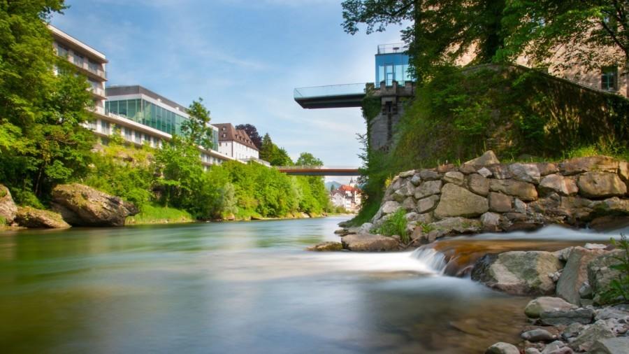 Schwarzbach_Schloss Rothschild_Mündung.JPG
