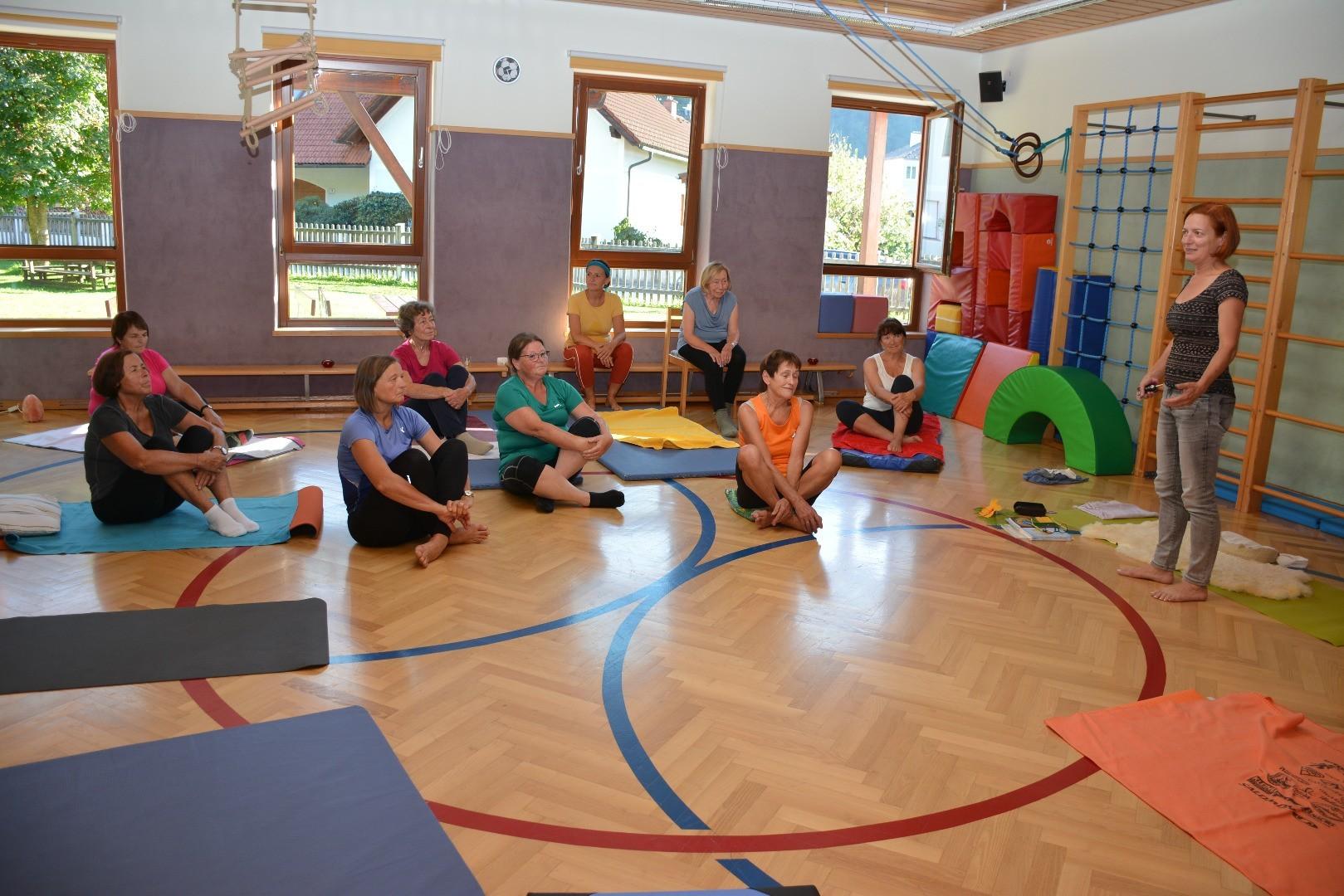 Yoga für Senioren.JPG
